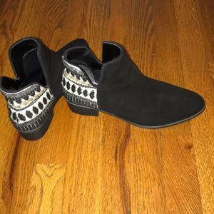 Steve Madden black suede booties boho Aztec design